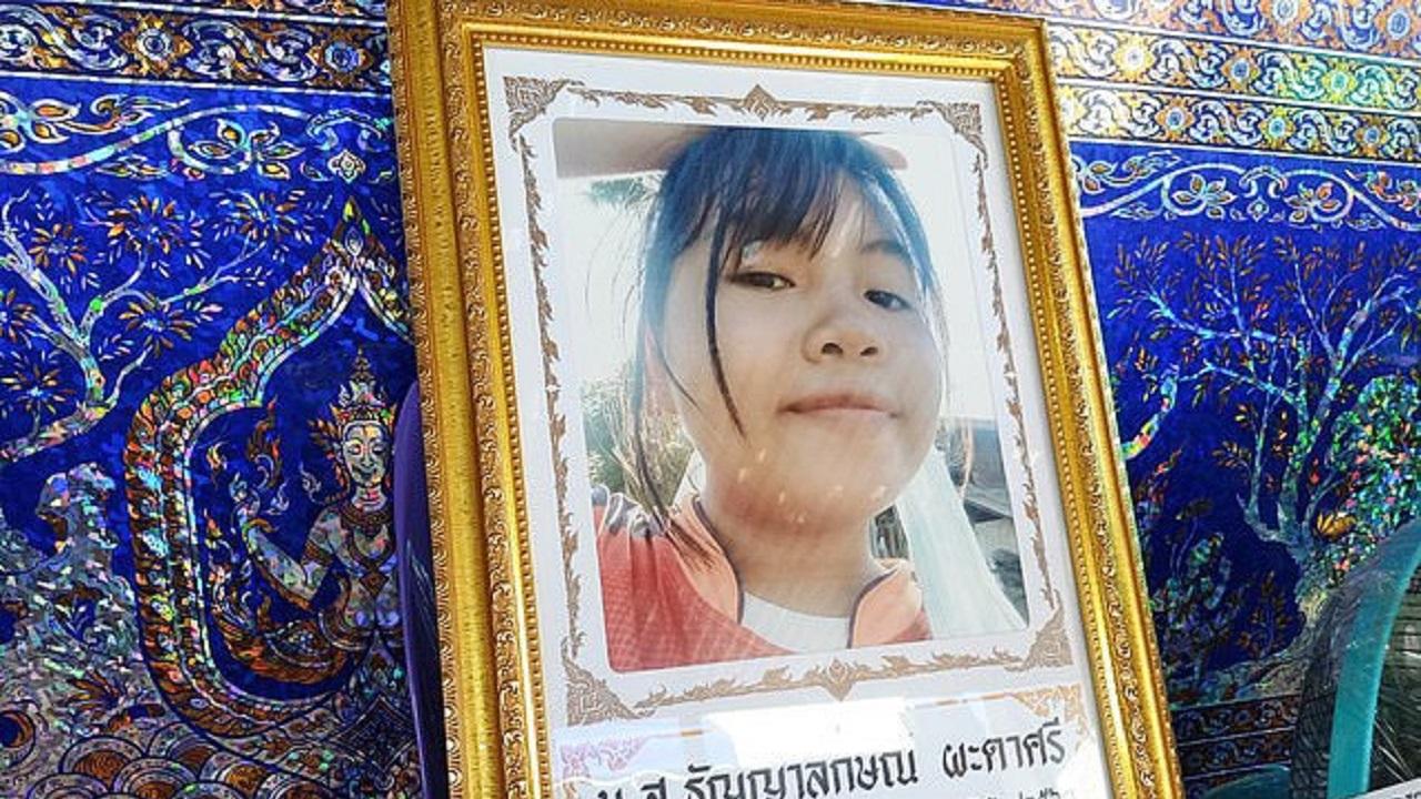 مرگ عجیب دختر تایلندی حین گوش کردن به موزیک!