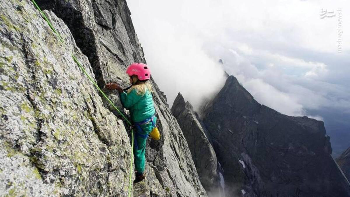 صعود دو کودک به قله سه هزار متری