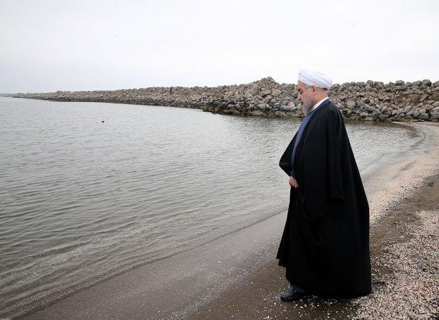 روحانی در دریای خزر